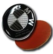 Наклейка БМВ карбон (66 мм), на двустороннем скотче